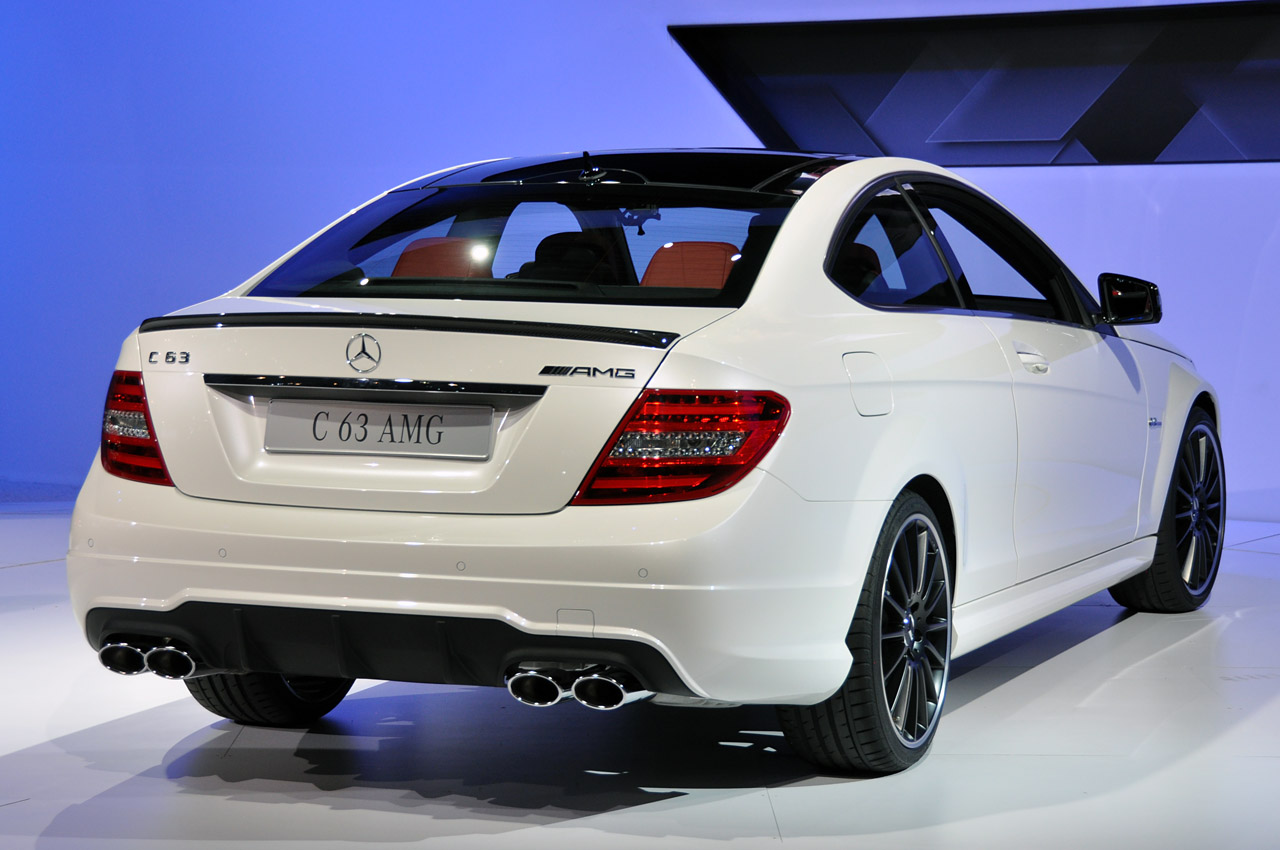 2012 mercedes benz c63 amg coupe new york 2011 photo gallery autoblog - 2012 mercedes c63 amg coupe ...