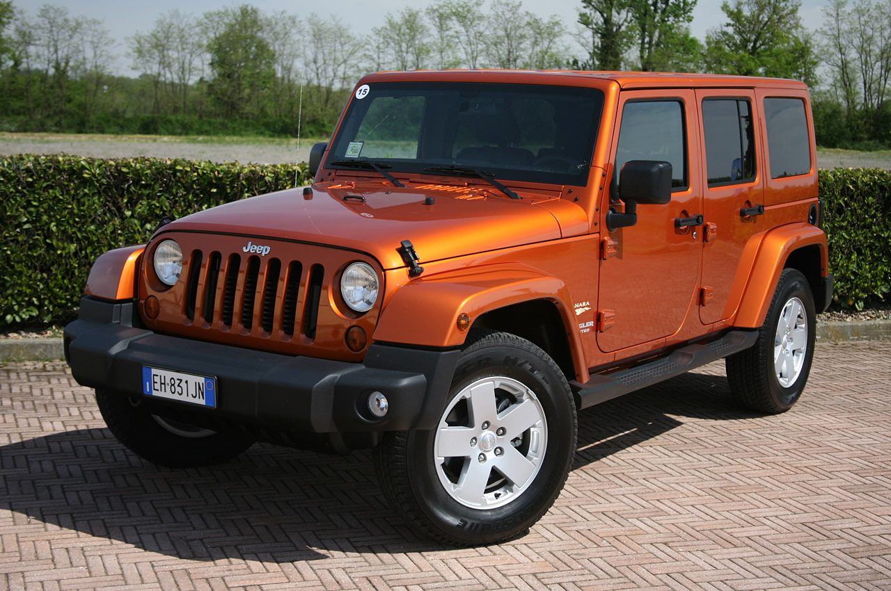 2011 jeep wrangler unlimited 2 8 crd first drive photo gallery autoblog. Black Bedroom Furniture Sets. Home Design Ideas