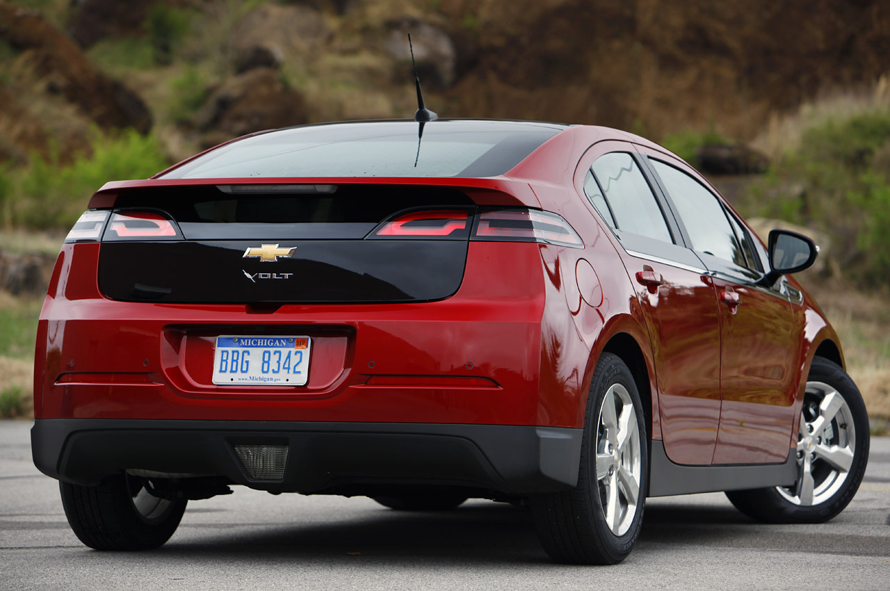 gm details 2013 chevy volt changes improvements pricing autoblog. Black Bedroom Furniture Sets. Home Design Ideas