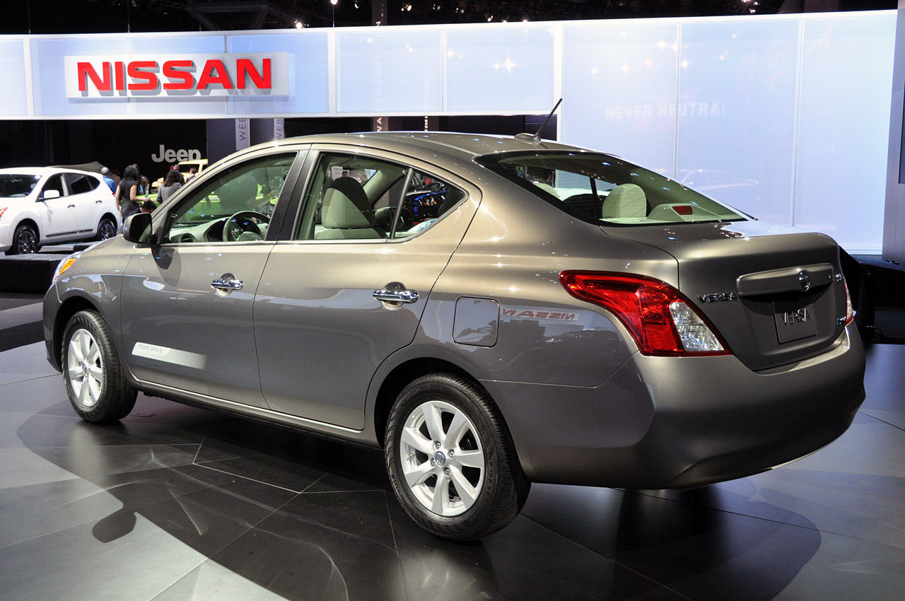 Thread: NYIAS: 2012 Nissan Versa Offers 33 Mpg For $10,990