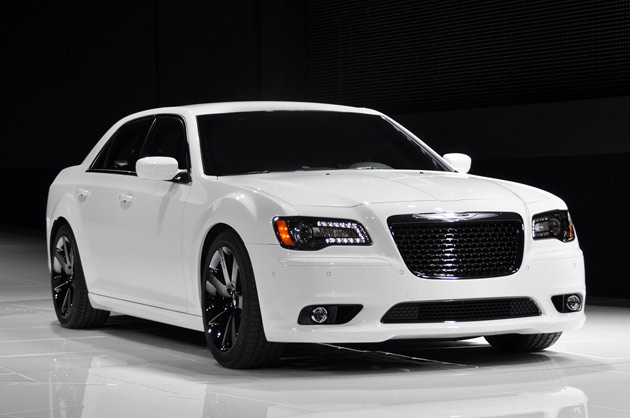 New York 2011: Chrysler's new 300 SRT8 is a tuxedo-wearing thug