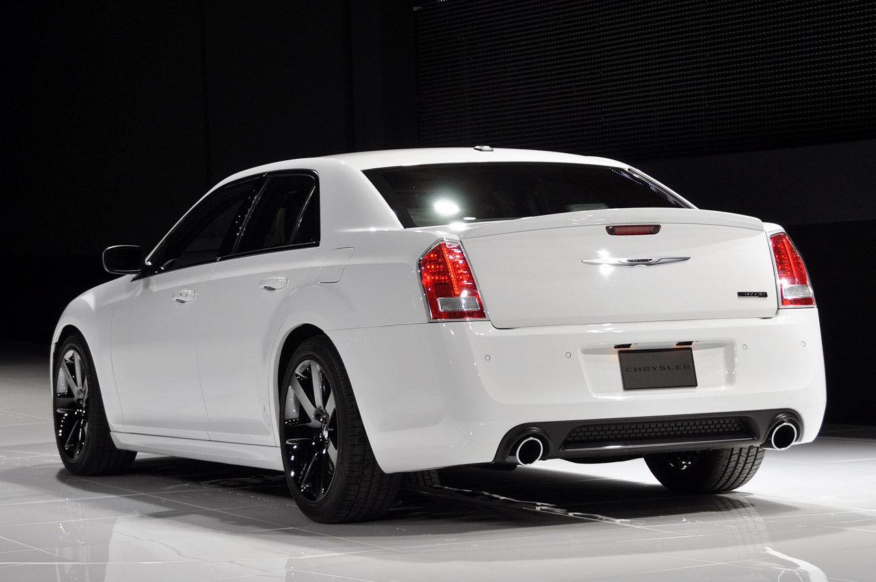 2012 chrysler 300 srt8 new york 2011 photo gallery autoblog. Cars Review. Best American Auto & Cars Review
