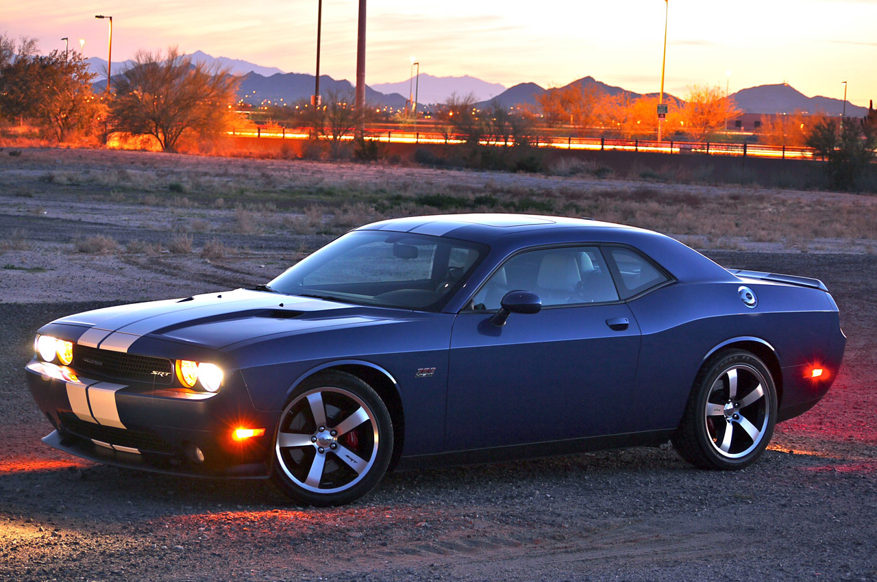 10 dodge challenger srt8. Black Bedroom Furniture Sets. Home Design Ideas