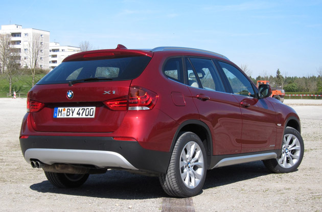 2011 BMW X1 sDrive28i rear 3/4