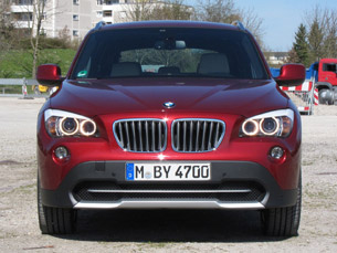 2011 BMW X1 sDrive28i front