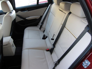2011 BMW X1 sDrive28i rear seats