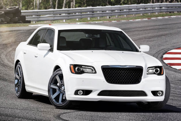 2012 chrysler 300 srt8 debuts with new 465 horsepower 6 4l v8. Cars Review. Best American Auto & Cars Review