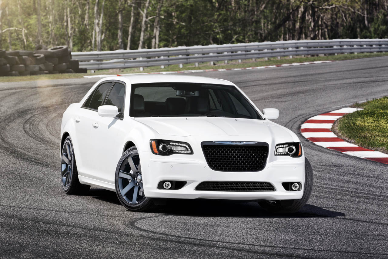 2012 chrysler 300 srt8 photo gallery autoblog. Cars Review. Best American Auto & Cars Review
