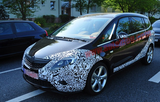 spy photos opel zafira