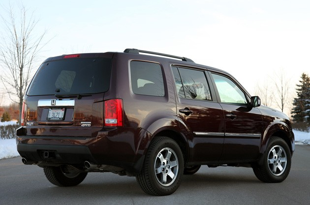 2011 Honda Pilot 4WD Touring rear 3/4 view