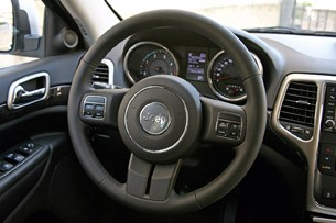 2011 Jeep Grand Cherokee 3.0 CRD steering wheel