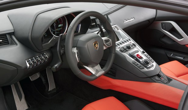2012 Lamborghini Aventador LP700-4 interior