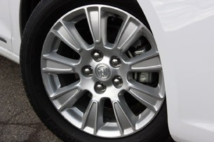 2012 Buick LaCrosse eAssist wheel