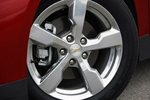 2011 Chevrolet Volt wheel