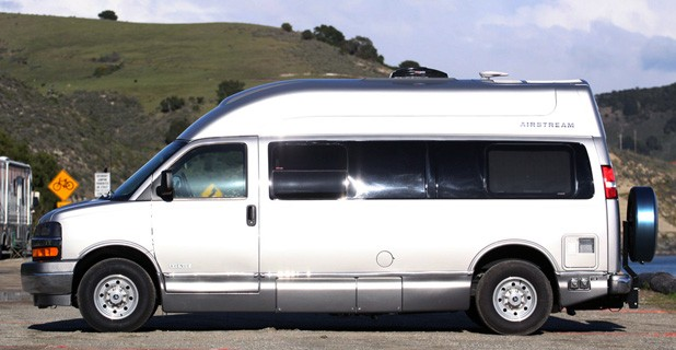 2011 Airstream Avenue side view