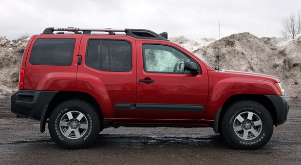 2011 Nissan Xterra Pro-4X side view
