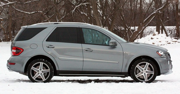2011 Mercedes-Benz ML63 AMG side view