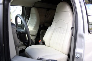 2011 Airstream Avenue front seats