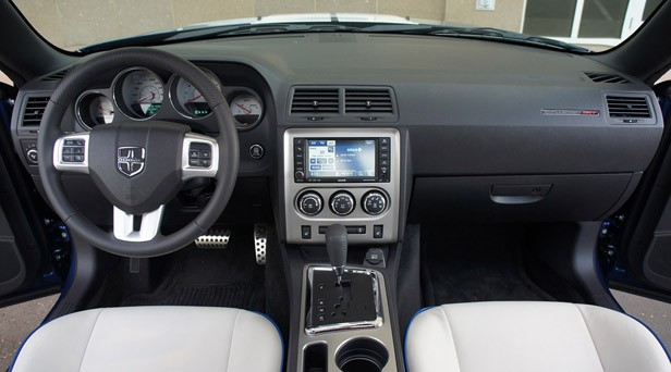 2011 Dodge Challenger SRT8 392 interior