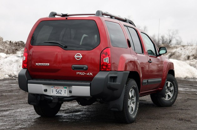 2011 Nissan Xterra Pro-4X rear 3/4 view