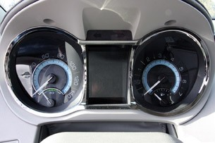 2012 Buick LaCrosse eAssist gauges