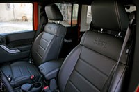 2011 Jeep Wrangler Unlimited 2.8 CRD seats
