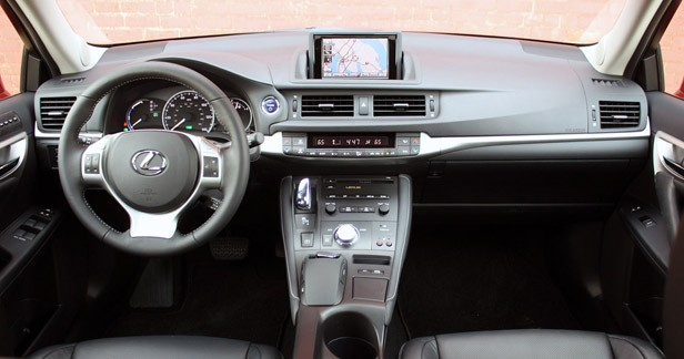 review 2011 lexus ct 200h autoblog. Black Bedroom Furniture Sets. Home Design Ideas