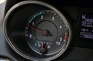 2011 Jeep Grand Cherokee 3.0 CRD tachometer