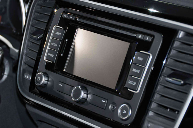 Volkswagen Fender head unit