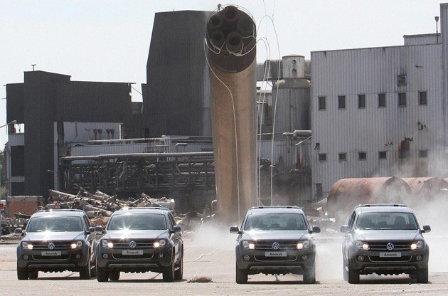 volkswagen amarok trucks pulling down old chimney