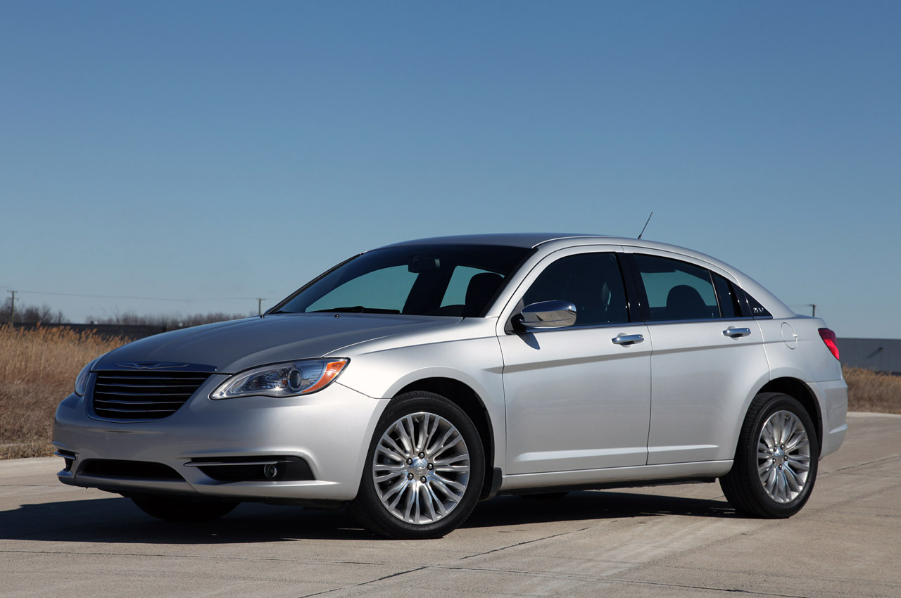 2011 Chrysler 200 Limited Autoblog