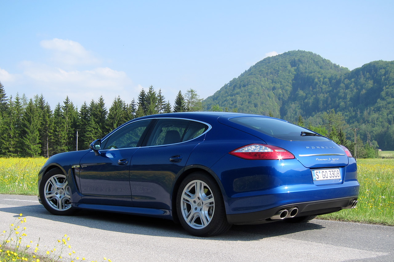 first drive 2012 porsche panamera s hybrid autoblog. Black Bedroom Furniture Sets. Home Design Ideas