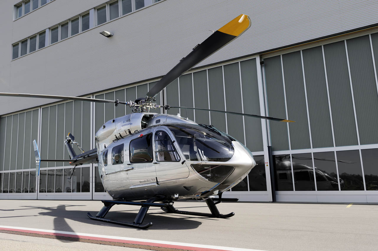 Mercedes benz outfits a luxury eurocopter autoblog for Mercedes benz helicopter price