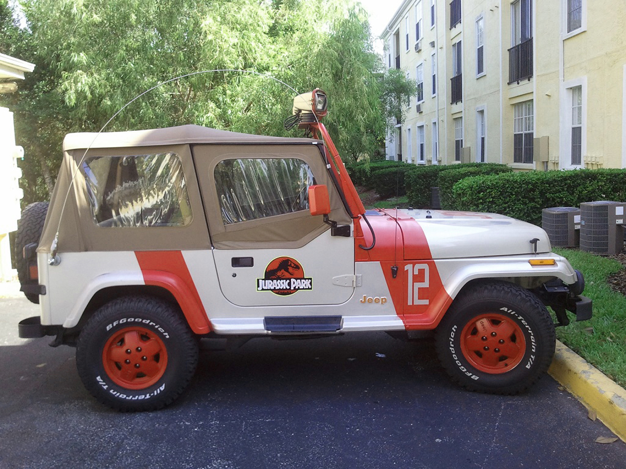 Jeep Certified Pre Owned >> eBay Find of the Day: Jeep Wrangler Jurassic Park edition - Autoblog