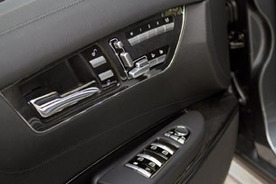 2011 Mercedes-Benz CL63 AMG door controls