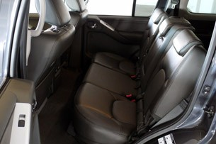 2011 Nissan Pathfinder rear seats