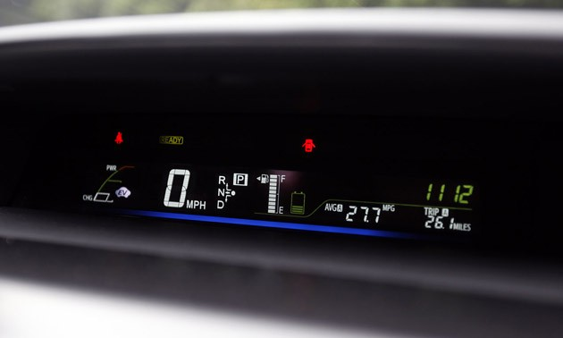 2012 Toyota Prius V gauge cluster