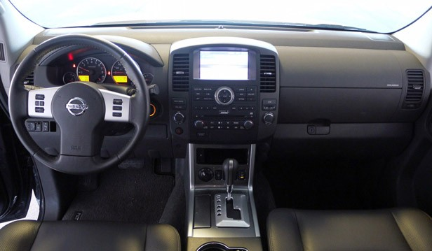 2011 Nissan Pathfinder interior