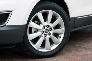 2011 Saab 9-4X wheel
