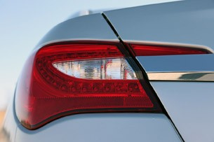 2011 Chrysler 200 taillight