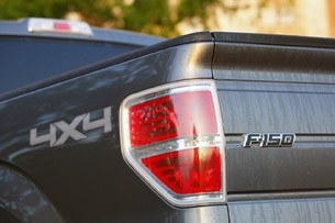 2011 Ford F-150 4x4 SuperCrew taillight
