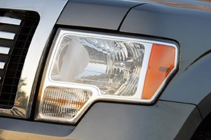 2011 Ford F-150 4x4 SuperCrew headlight