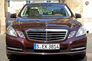2012 Mercedes-Benz E350 front view