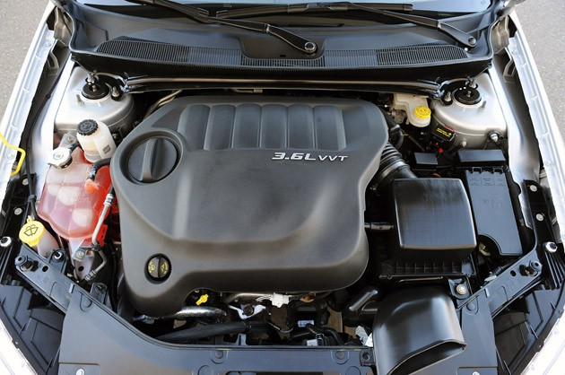 2011 Chrysler 200 engine