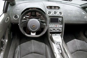 2011 Lamborghini Gallardo LP 570-4 Spyder Performante interior