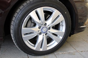2012 Mercedes-Benz E350 wheel