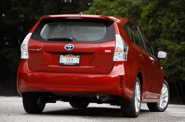 2012 Toyota Prius V rear 3/4 view