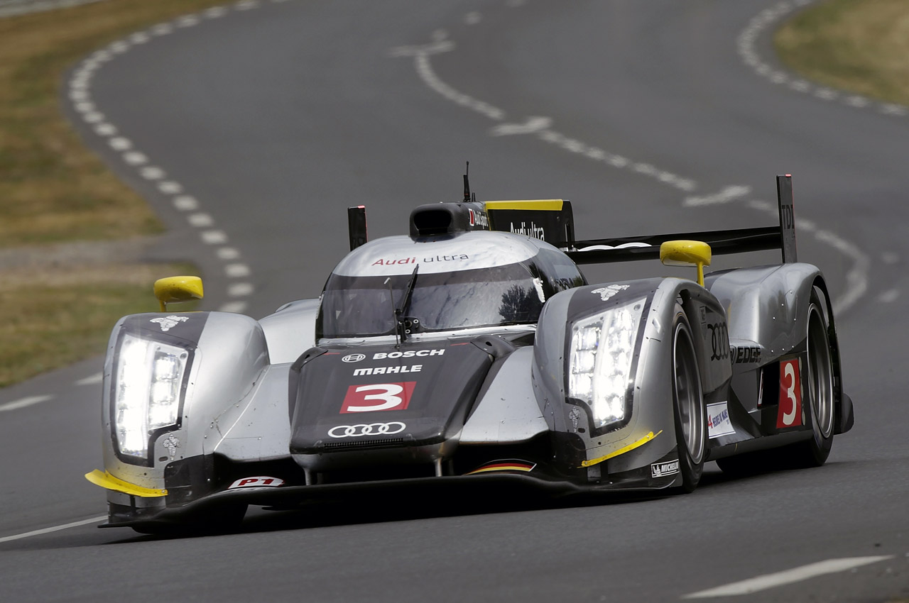 Audi R18 Tdi Qualifying At The 2011 24 Hours Of Le Mans