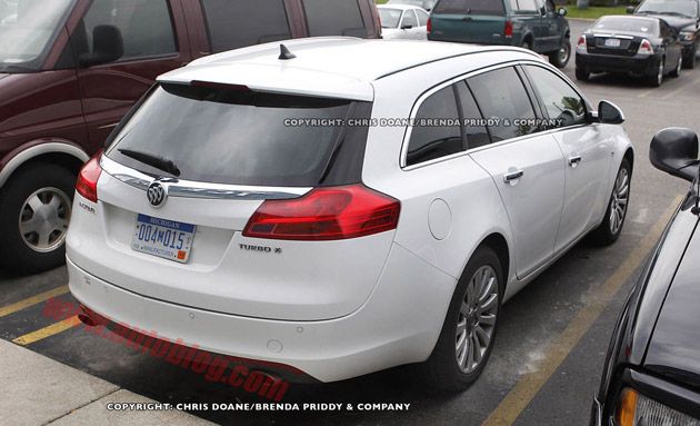 Buick Regal Wagon spy shots