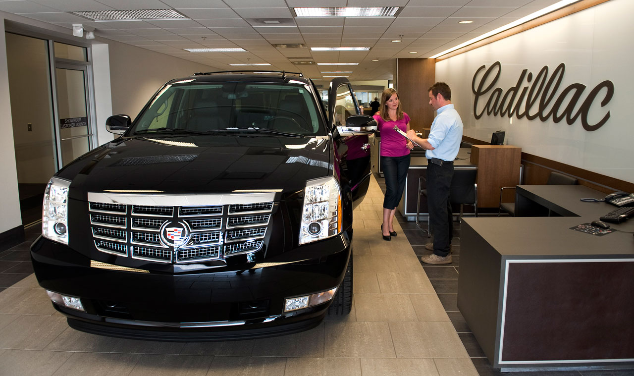 Cadillac shows off new look for showrooms | Autoblog